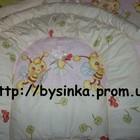 Высокие, сплошные защиты и комплекты постельного белья в кроватку новорожденного
