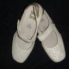 Продам туфли белые новые, недорого.