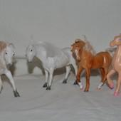 Маленькие любимые фигурки лошадки  для домиков и кукол