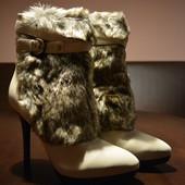 Женские кожаные ботильены guess Покупались в фирменном магазине Кожа с обеих сторон р. 39-40 На коро