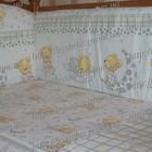 Бампер (35 см) со съёмными чехлами (на молнии) на все стороны детской кровати.