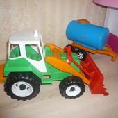 Большой трактор с прицепом бочка цистерна  Орион