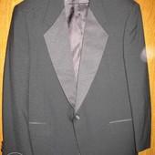 Пиджак-смокинг,р.54-56,чёрный.