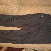 фирменные спортивные штаны Nike