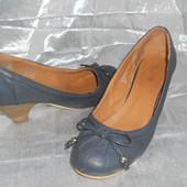 Туфли лодочки на маленьком каблуке Matalan р.36