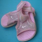 Фирменные Nike оригинал босоножки 26 размера