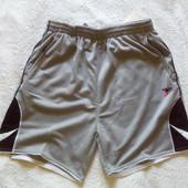 Фирменный спортивные шорты известного бренда precision training разм L