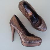 Очень красивые туфли бренда Bata, р. 37