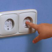 Безопасность ребенка-защита на углы, розетки, двери, шкафы