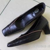 шкіряні туфлі 38р.