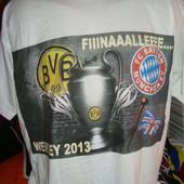 Фірмова футболка B&C Exact.