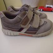 Ботинки, кроссовки для мальчика 23 р. ecco