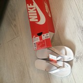 Женские сланцы Nike Celso Girl Thong ,новые, не подходит размер, привезла с Польши, длина 23см