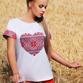Белая блузка с принтом-вышивкой Сердце