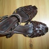 кожаные босоножки Arezzo,Бразилия  24.5см\38раз