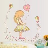 Интерьерная наклейка на стену Девочка с шариком