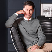 свитер,серый меланж L 54 р