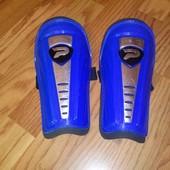 Защита,щитки на голени