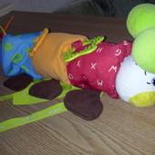 Фирменная игрушка на коляску или кроватку