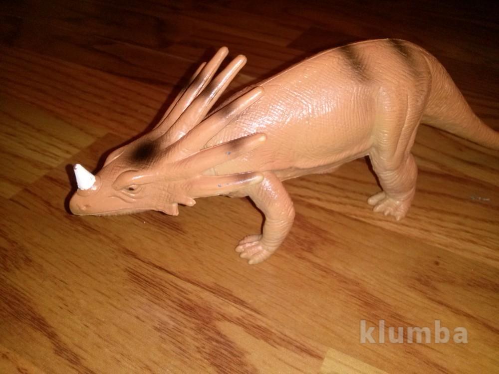 Большой динозавр  фото №1