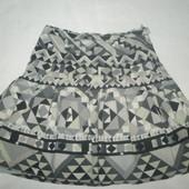 очень красивая юбка , демисезон. размер L