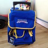 рюкзак / портфель на колесиках с выдвигающейся ручкой