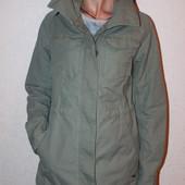 крутая куртка  Levi's  размер хс