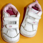 Кроссовки от Nike  размер 22,5,на ножку 13-13,5см