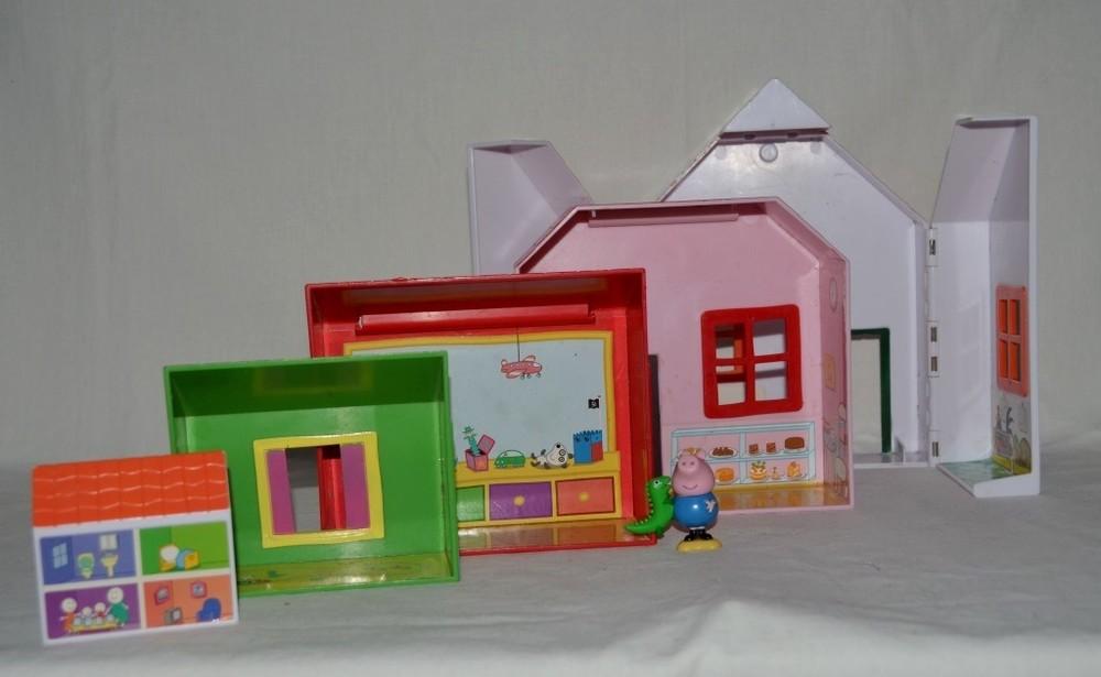 Фирменный полный игровой набор домиков с фигуркой пеппы пеппа пиг peppa pig фото №1