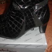 Фирменные новые кожаные демисезонные ботинки 40 размера