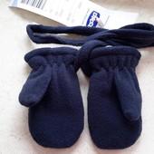 Варежки  и перчатки Chicco ,новые !