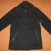 В идеальном состоянии теплое пальто для мальчика Германия р. 128-134 см.