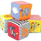 Кубики мягкие в коробке.