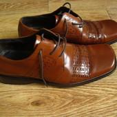 Vladis р.43 туфлі елегантні шкіра