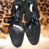 Туфли замшевие