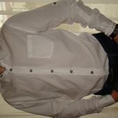 Очень стильная и модная белая приталенная рубашка Colins  р.S