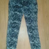 Стрейчевые джинсы модный цветочный принт Розы р30