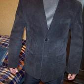 Фирменный вельветовый пиджак, размер М L.