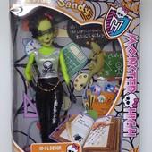 Кукла Monster High (учительница)
