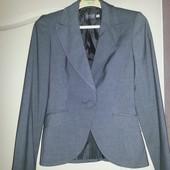 Продам серый пиджак OGGI