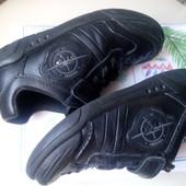 Кожаные кроссовки Сlarks, стелька 17,5 см