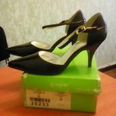 Новые классические туфли Blossem 36р,стелька 23.5