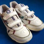 Кроссовки на девочку Clarks uk 2.5, р.34, ст.22.5см.