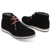 Теплые замшевые ботинки черного цвета