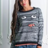 Интересный женский свитшот свитер