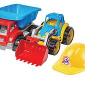 Игрушечный набор ,трактор+грузовик+каска(трактор и грузовик большие)