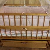 Детская кроватка-маятник с ящиком + набор