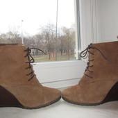 Продам замшевые ботинки Mango 38 р. Португалия.