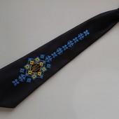 Подростковый галстук с вышивкой бисером -ручная работа