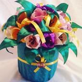 Горшочек с цветком своими руками из атласных лент 7